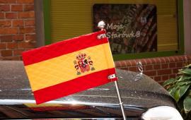 flaga Hiszpanii na samochodzie