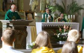 Na zdjęciu: msza święta w kościele akademickim