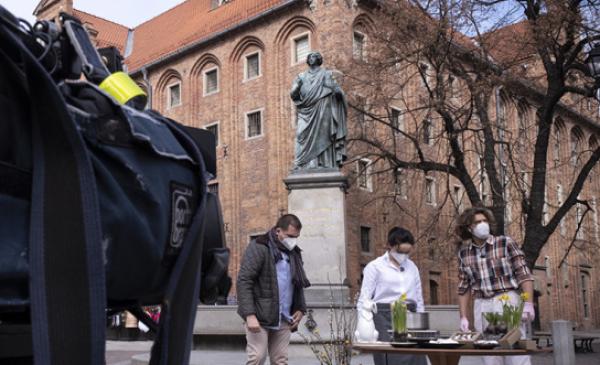 Na zdjęciu: ekipa DDTVN i gość podczas transmisji na żywo