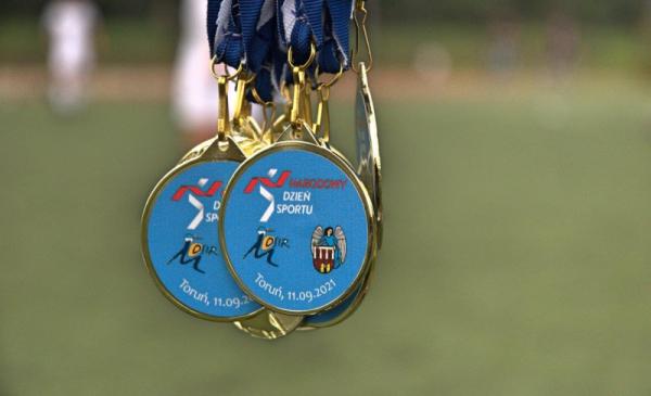 Na zdjęciu: medale dla uczestników Narodowego Dnia Sportu 2021