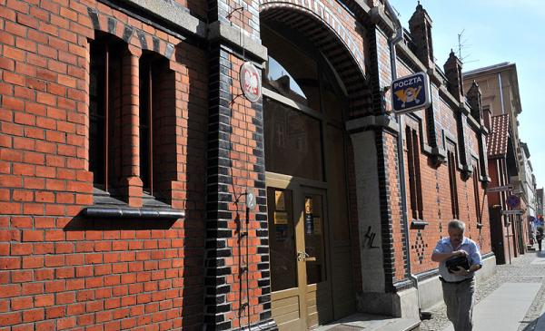 Na zdjęciu budynek poczty przy ul. Piekary