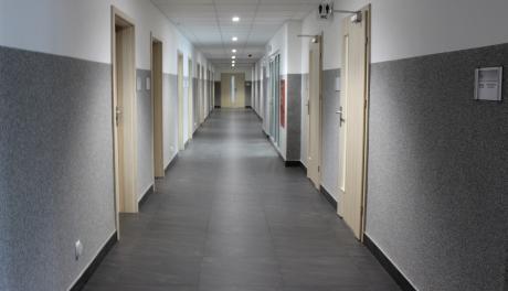 zmodernizowany korytarz komisariatu