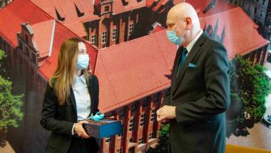 Prezydent Michał Zaleski rozmawia z Ambasadorką SŁowenii