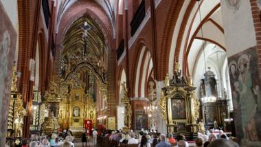 Na zdjęciu widać wnętrze kościoła św. Jakuba