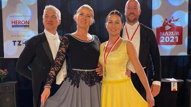 od lewej: Robert i Beata Mańkowscy, Maria Sudzińska i Marcin Hammerling