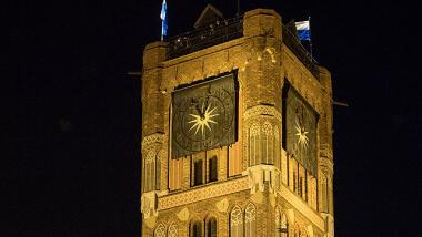 wieża toruńskiego ratusza
