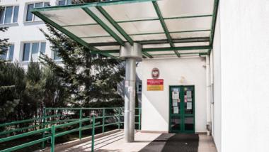 Wejście do budynku Urzędu Pracy