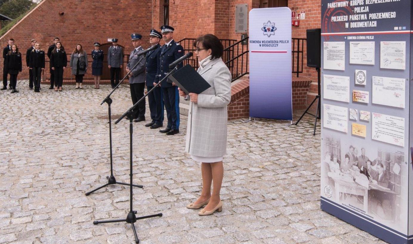 Na zdjęciu: głos zabiera dyrektorka Muzeum Okręgowego, Aleksandra Mierzejewska